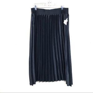 New with tags LuLaRoe Black pleated skirt midi 3x